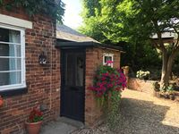 Fabulous little cottage with absolute godsend Gary