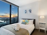 We enjoyed the location, central to amenities. The view of the harbour was nice, especially at