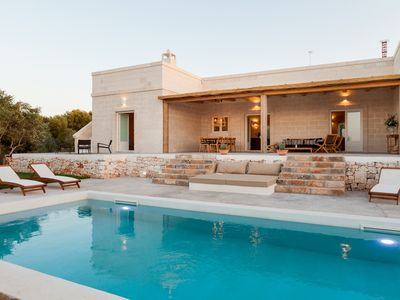 Photo for Luxury villa with sea view - private salt water pool, pizza oven, wifi, concierge