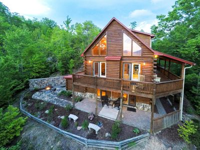 Photo for Large cabin with wrap-around porch, fireplace & wet bar!