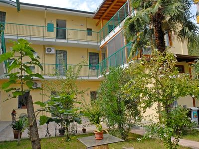 Photo for APARTMENT IN VILLA 10 MINUTES FROM THE CATHEDRAL, 5 FROM TRAIN CENTR