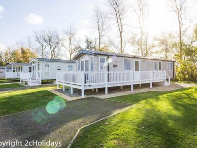 Photo for Platinum caravan for hire at Hopton holiday village in Norfolk ref 80005B