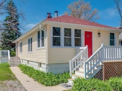 Photo for The Nantucket Cottage - Charming bungalow only a few blocks to the beach!