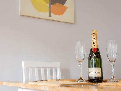 Photo for Stirling Central Apartment Sleeps 4 Close to Train Station and Stirling Castle