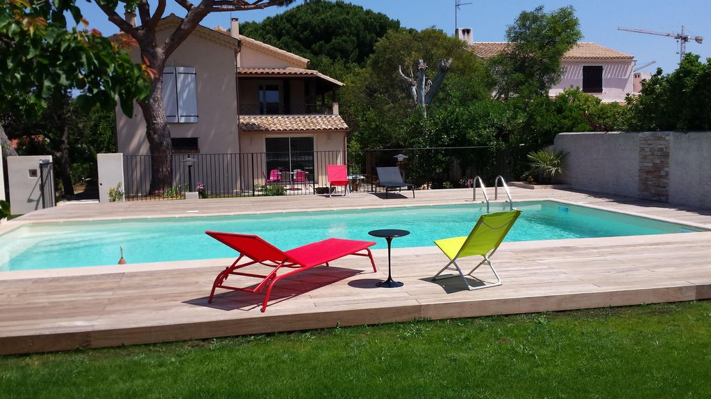 Six fours les plages t3 65m charme piscine mer for Piscine six fours