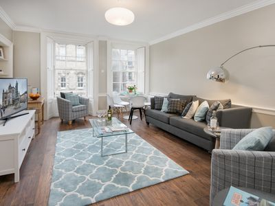 Photo for Central Edinburgh apartment, just minutes away from the city's key attractions