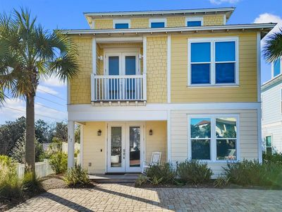 Photo for Beautiful 4 bed/4 bath home with Gulf Views, Beach chairs and 4 bikes `Sugar Sand Castle`