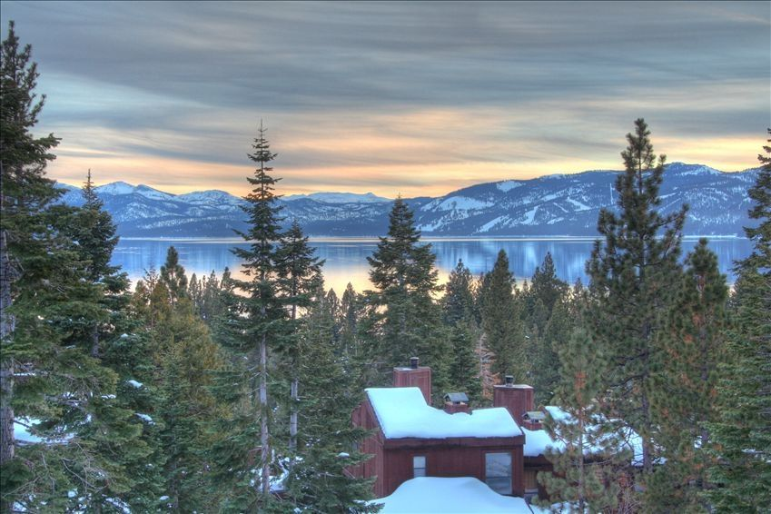 Luxury Dollar Point Area House With Panoramic Lake Views