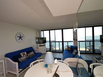 Lovely direct Ocean Front Efficiency with indoor and outdoor pool and Free WiFi