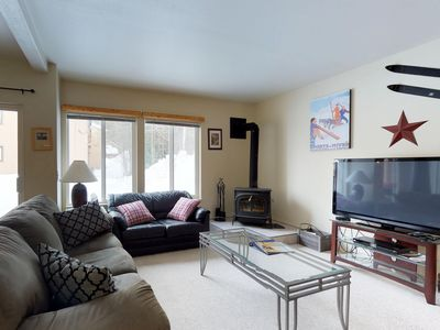 Photo for Well-located condo with private patio & access to tennis, shared pool, & hot tub