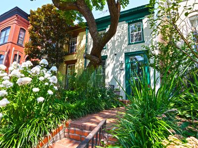 Photo for Take a walk in Capitol Hill! 3 BR 2 Bath Sleeps 6