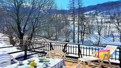 Photo for Limone apartment view on the slope
