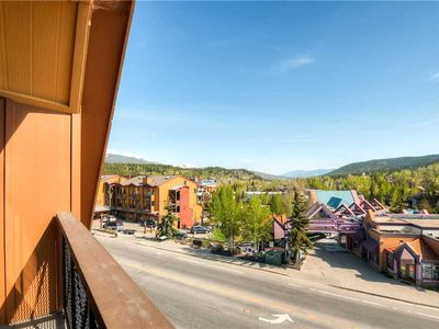 Photo for Walk to town, Close to shopping & dining, hot tubs & pool, hiking trails