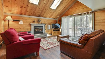 Photo for Spacious Home near Sunriver Village w/ WiFi, Fireplace & Free Sharc Passes