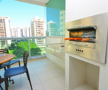 Photo for 3 bedrooms with private barbecue, near the beach, River Center and HSBC