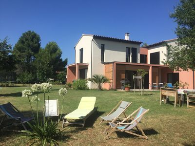 Photo for Villa surrounded by vineyards: modernity, calm and rest