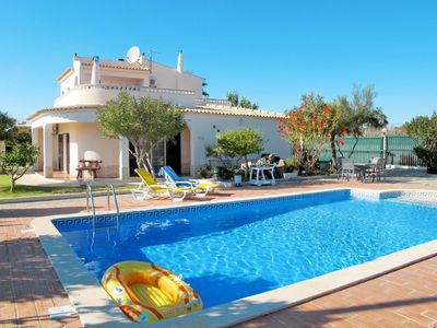 Photo for This 4-bedroom villa for up to 8 guests is located in Armacao De Pera and has a private swimming poo