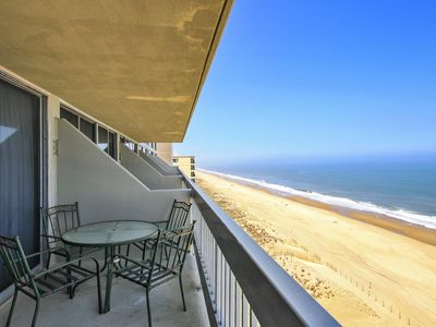 Photo for FREE DAILY ACTIIVITIES! FREE WIFI!!! SPECTACULAR OCEAN VIEWS!! Nicely furnished, direct oceanfront, bi-level unit with 2 bedrooms and 2 baths. The upper level master bedroom with balcony faces the ocean and has spectacular views.