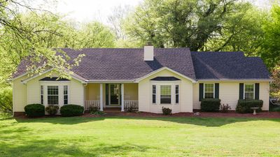 Photo for Lakefront, Swimming pool family home minutes from downtown Nashville