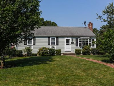 Photo for Beautifully Updated Ranch Style Home Centrally Located