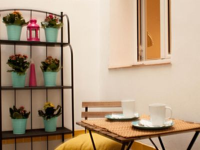 Photo for Apartment in the center of Seville with Internet, Air conditioning, Lift, Washing machine (966597)