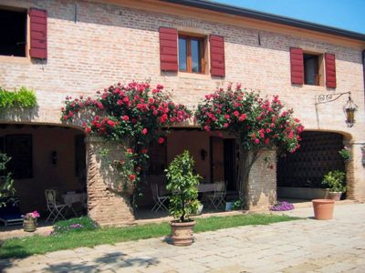 Photo for Vacation home Ca' delle Rose (BOA100) in Boara Pisani - 9 persons, 6 bedrooms