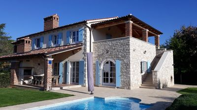 Photo for Luxury villa with pool and sea view for 8-10 people