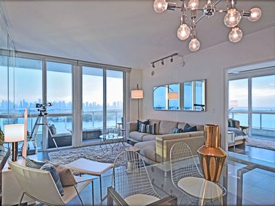 Photo for Luxurious 2 bedroom/2 bath waterfront condo on South Beach: Stunning Views