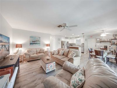 Photo for Lovers Lane 114 Upper, 2 Bedrooms, Pets, WiFi, Close to Beach, Sleeps 6
