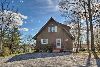 Make this lovely vacation rental house your Western Maine holiday destination!