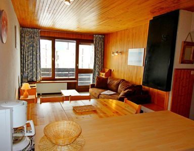 Photo for Tignes, 1 bedroom apartment for 6 people, classified 2 *, balcony, at the foot of the slopes