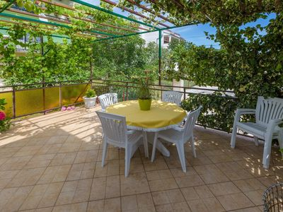 Photo for Holiday apartment with air conditioning in the historic center