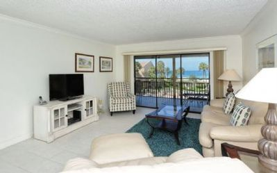 Photo for Light & bright 3rd floor unit, 2BR/2BA, screened lanai, great Crescent Beach view, Chinaberry 435...