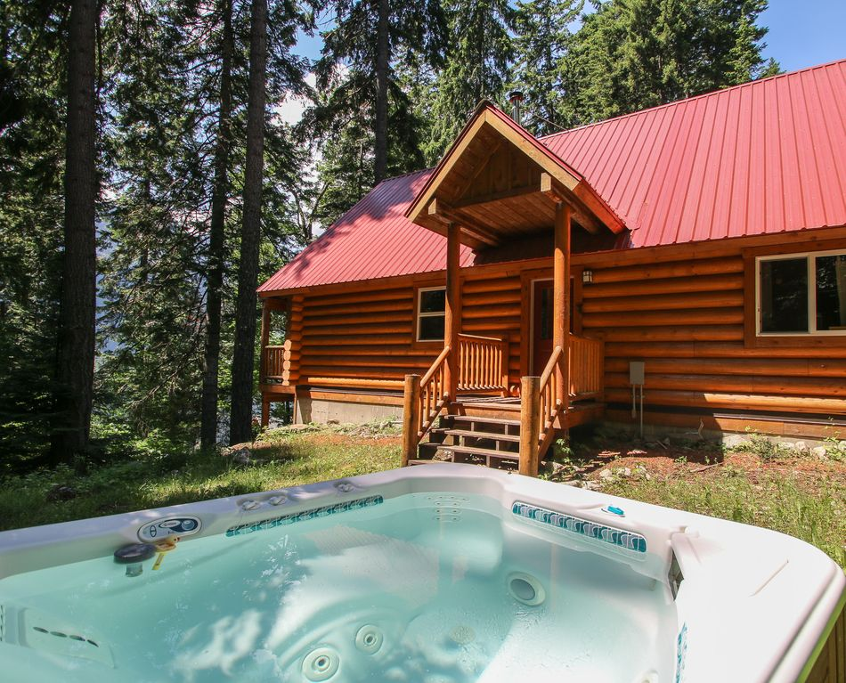 Log Home Lodge With Peak A Boo Views Of Lake Wenatchee
