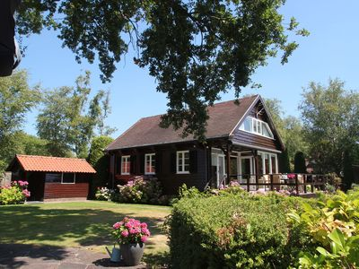 Photo for Great villa on a large plot of land, located directly by the Loosdrechtse Plassen
