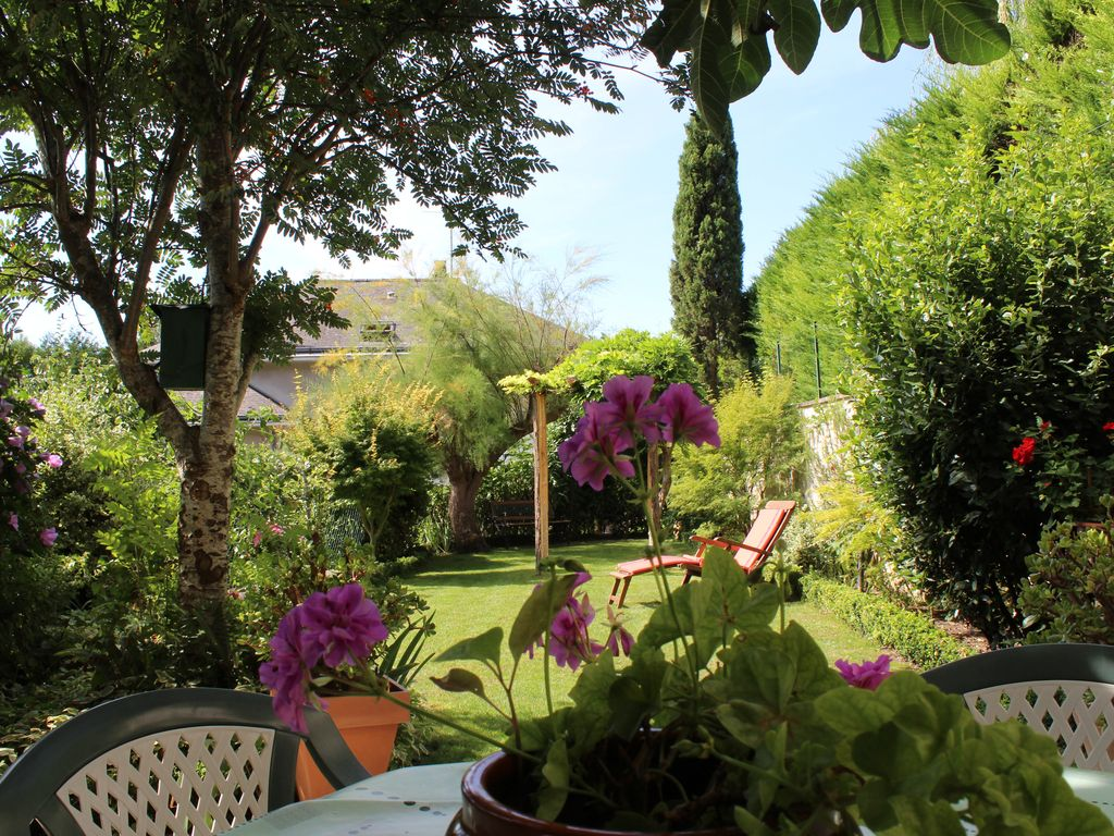A corner of paradise in the heart of the historic center of the city of Amboise.