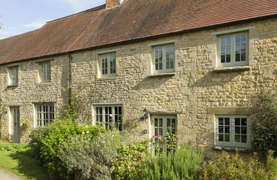 Garsons Cottage is nestled down a quiet country lane in the conservation village of Idbury in the Cotswolds Hills