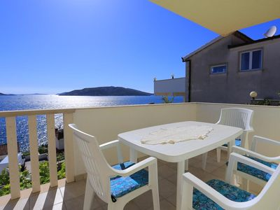 Photo for One bedroom apartment with terrace and sea view Okrug Donji, ÄŒiovo (A-17232-a)
