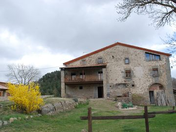 Masia in the Catalan Pyrenees, privileged environment surrounded by nature and relax
