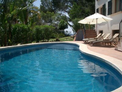 Photo for Luxury 6 bed house 50 metres from the beach