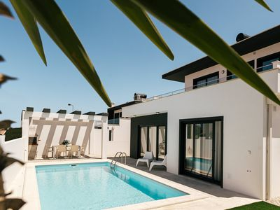 Photo for Modern villa with private pool in Obidos