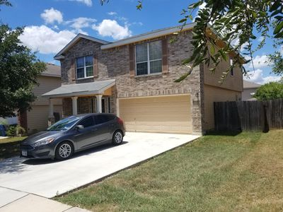 Photo for <2 miles to Lackland AFB, easy access to from highway, near Seaworld too