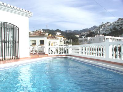 Photo for Townhouse Villa with Private Pool and Air-Con near Burriana Beach