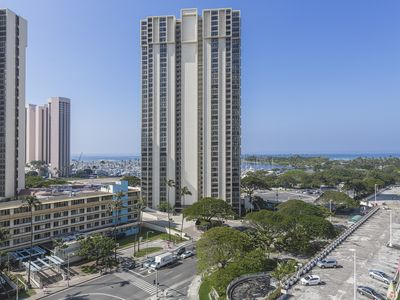 Photo for Studio Ocean View and Diamond Head, Book Now!