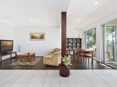 Photo for Hideaway in Coolangatta 1 bedroom retreat in a quiet leafy setting WiFi is included