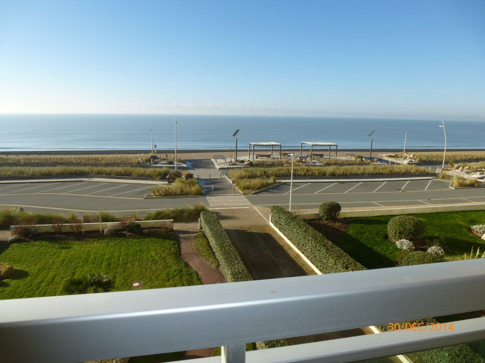 Appartement grand studio 33m2 terrasse face mer