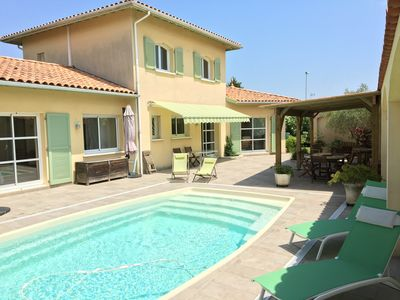 Photo for Basque coast, comfortable villa, air conditioning, heated pool, in the heart of Anglet
