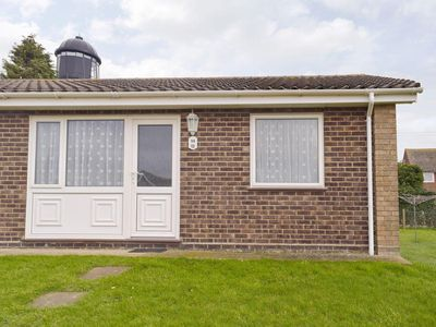 Photo for 2 bedroom property in Winterton-on-Sea.