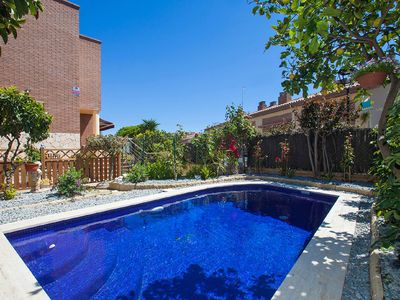 Photo for Nice apartment with private pool, WIFI, TV, balcony and washing machine