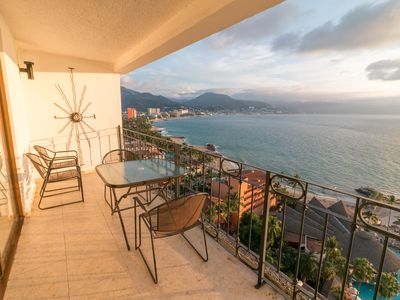 Photo for Beach and Pacific at your feet, view all from the private balcony on floor 16!